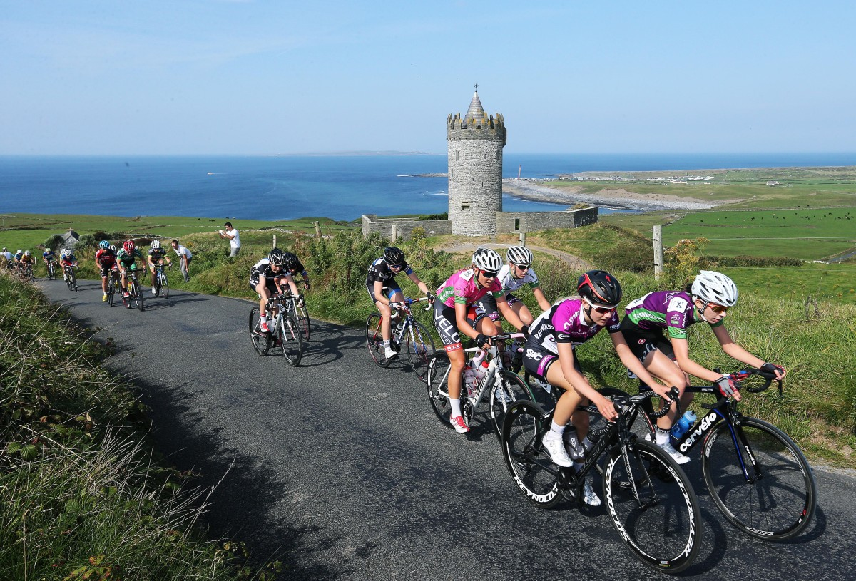Race leader Tayler Wiles in pink stays at the head of the race up Castle Hill at Doonagore. Picture: Lorraine O'Sullivan PRESS RELEASE…..NO REPRODUCTION FEE……