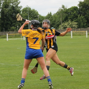 Clare's Orlaith Duggan wins possession ahead of Kilkenny's Katie Power. Picture: Caroline O'Keeffe