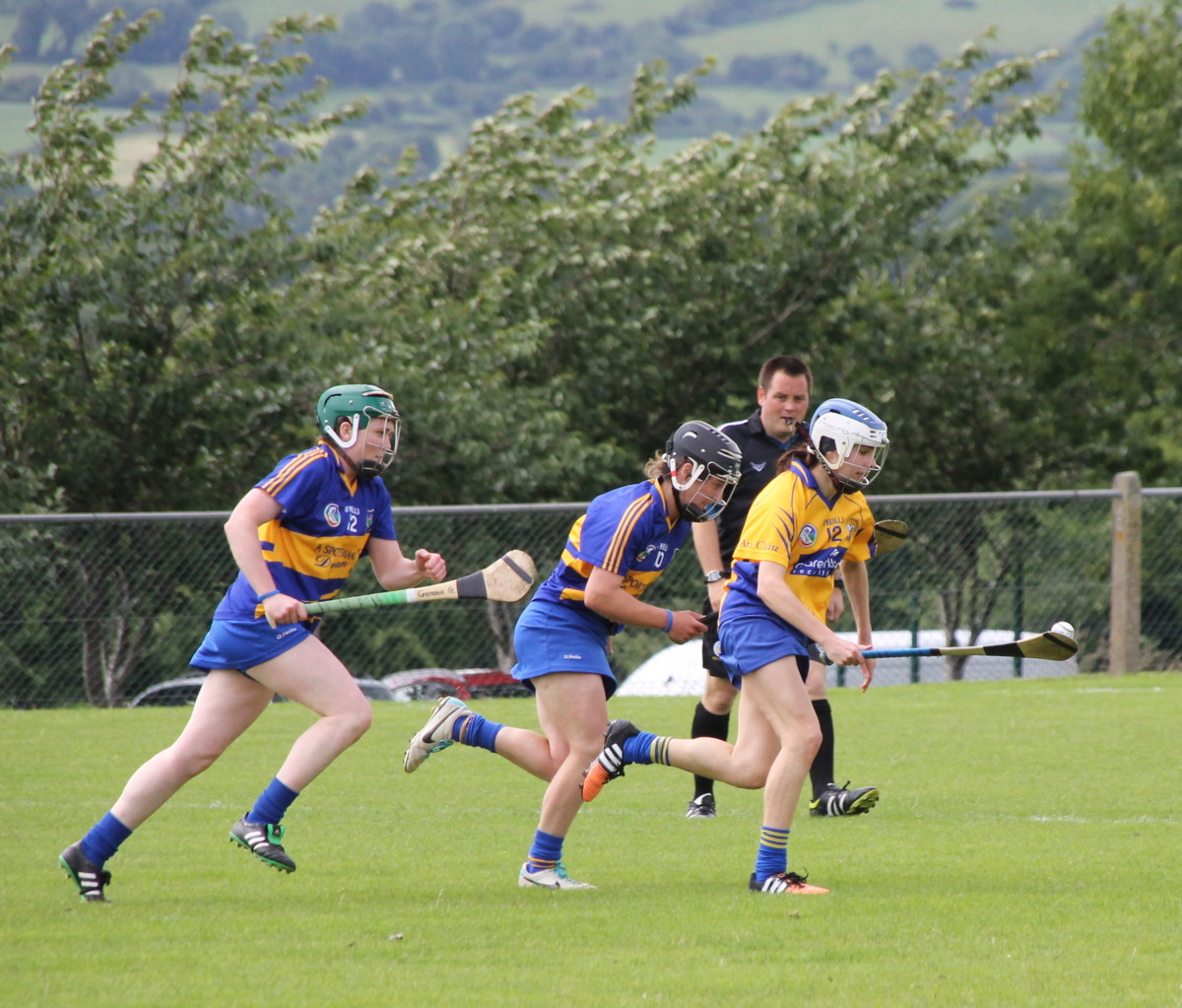 Clare's Michellle Caulfield being closely followed by Mairead Teehan & Gemma Grace. Picture: Caroline O'Keeffe