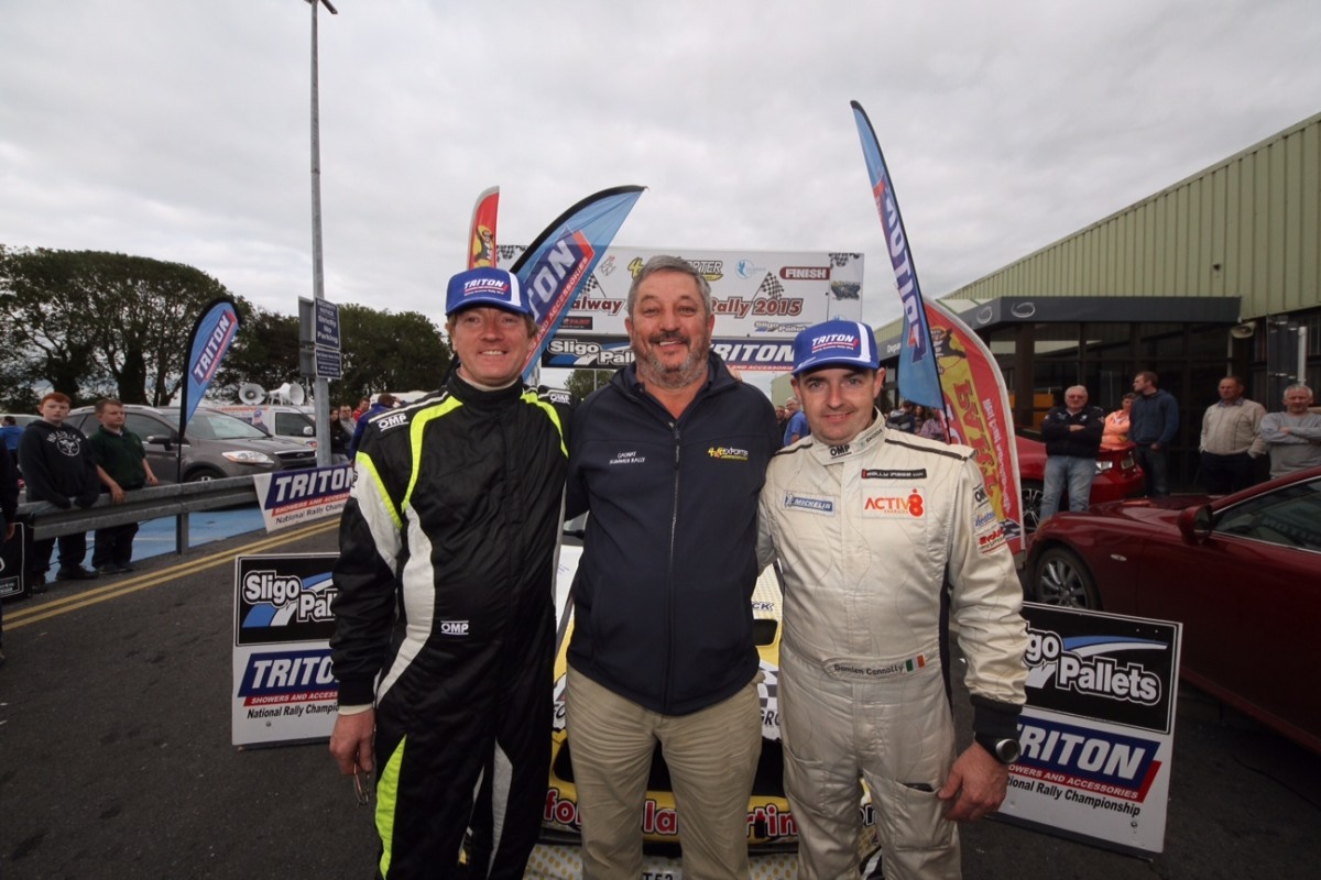 Galway winners Peader Hurson and Damien Connolly with Clerk of the Course Mark Parsons (centre). pic Sean Hassett.