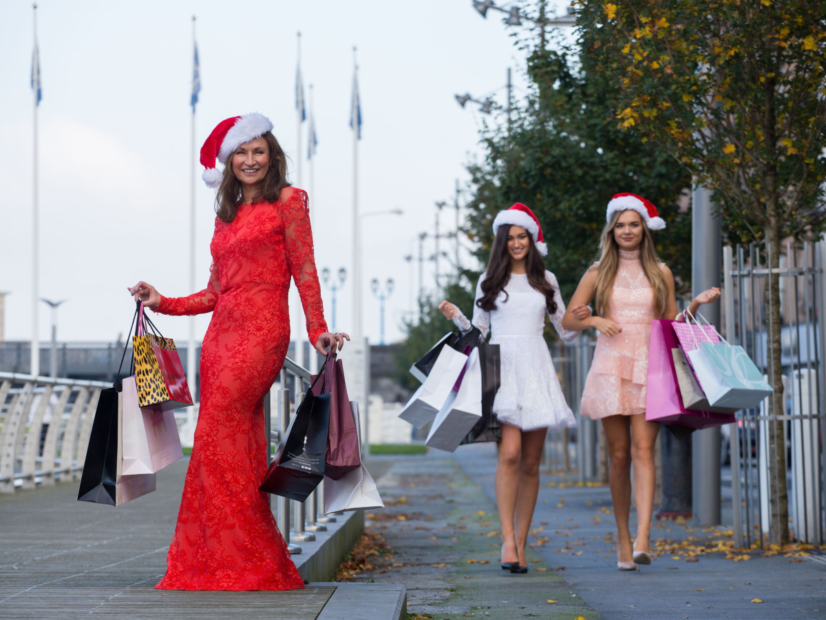 Pictured are Celia Holman Lee (left) with models, Aoife Hannon and Grace Walsh. Picture: Alan Place/Fusionshooters.
