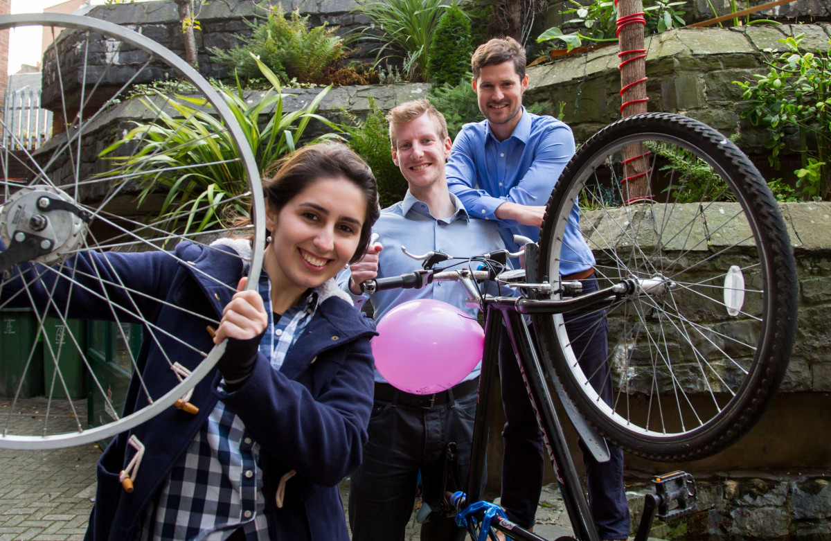 Pictured are, New cyclistwinner: Erica Della Garza, University of Limerick and Best Coordinators: UL - Sean Collins and Ross Higgins. Picture: Alan Place/Fusionshooters.