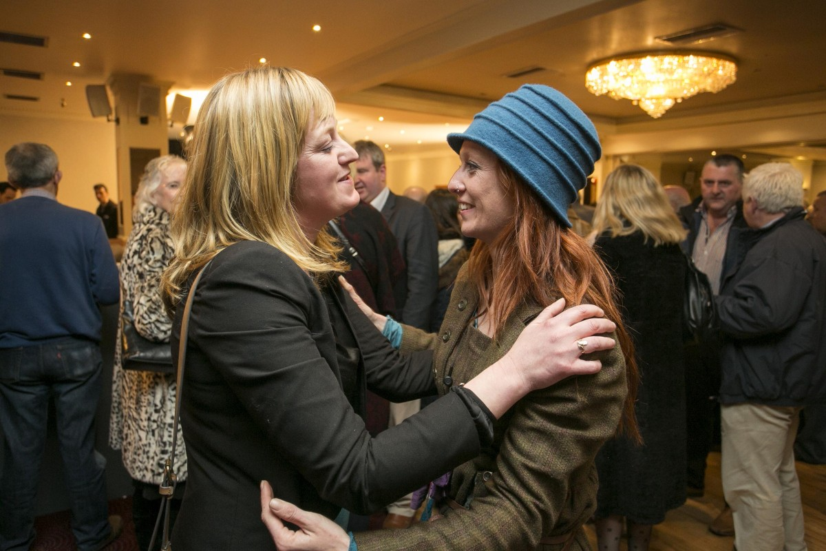 Sinn Feins Noleen Moran greets Fis Nuas Niamh O'Brien .Pic Arthur Ellis/Press22.