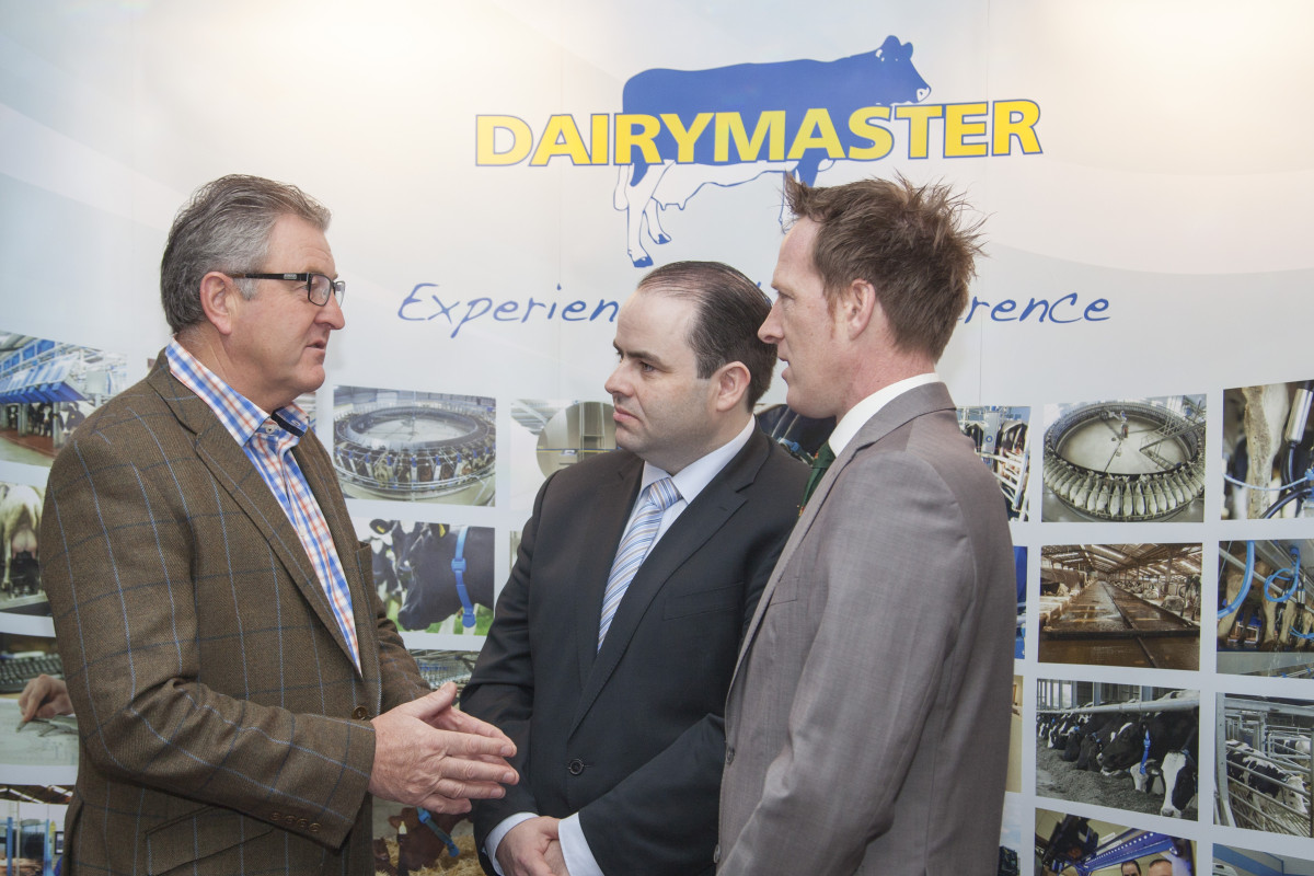 Roger Mercer, Chairperson Nuffield International in conversation with Dr Edmond Harty, CEO, Dairymaster and Bill O'Keeffe, Chairperson, Nuffield Ireland
