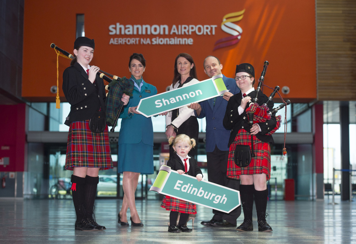 Pictured at the Aer Lingus Regional announcement of their Shannon to Edinburgh route are Aer Lingus Regional cabin crew Amy Scott, left, and Calvin Long, right, along with Shannon Group acting CEO Mary Considine and CBS Sexton Street Pipe Band members Niamh Hickey aged 15, left, Aoife McDarby aged 12, right, and Clodagh Purcell, aged 2. Picture credit: Diarmuid Greene/Fusionshooters