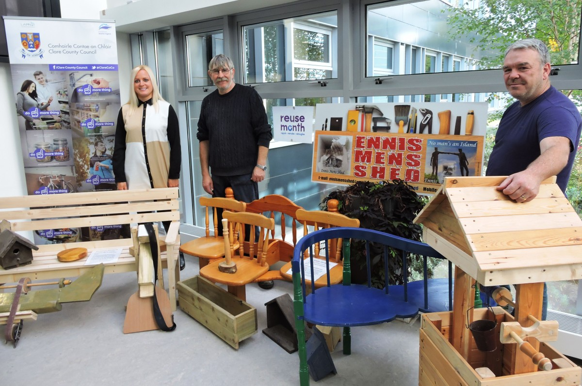 Edelle Costelloe of Clare County Council's Environment section pictured with Tommy Whitney (centre) and Frank McNamara (right) of Ennis Mens Shed at the display of upcycled and restored items in Áras Contae an Chláir.